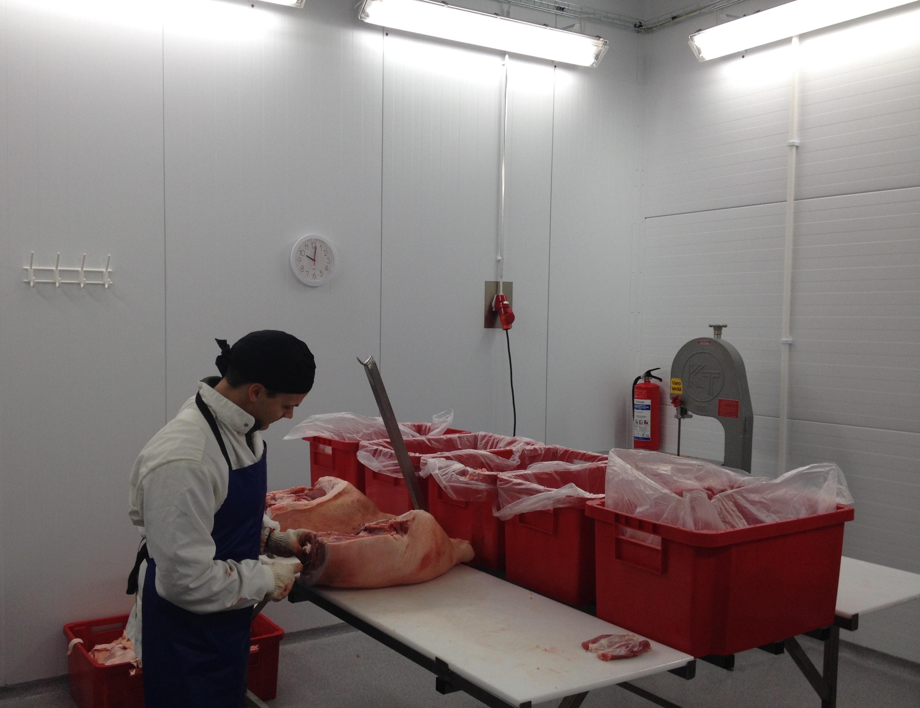 Laadukas lihanleikkaus vaatii rautaista ammattitaitoa.