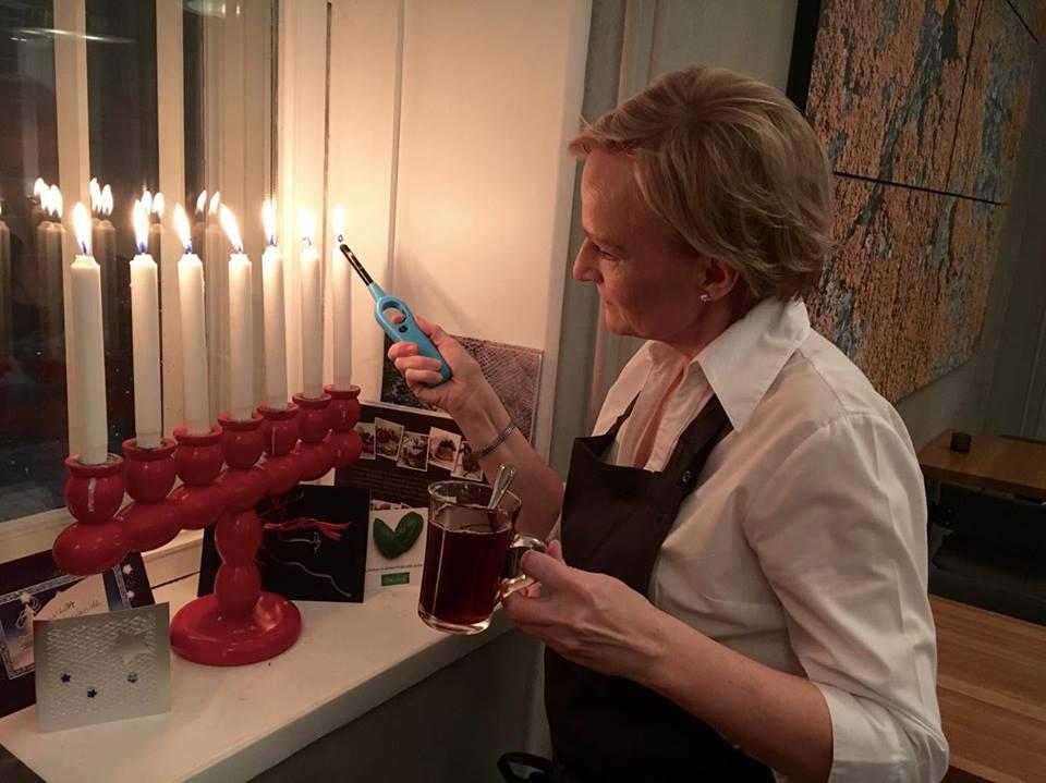 Mamin viinimestari Marjo-Riitta Heinonen.